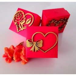 Bow with heart wedding cakebox